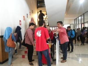 Ayo naik tangga! (implementasi kampanye naik tangga) - FISIP - Ilmu Komunikasi - Universitas Brawijaya 2014